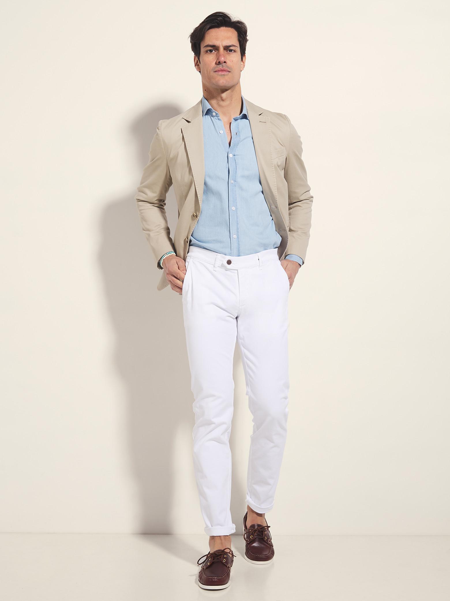 Consejos 2020 – Combinar pantalones blancos