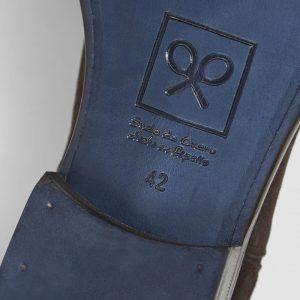 zapato-clasico-ante-marron-fantasia