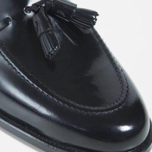 zapato-tassel-borlas-negro